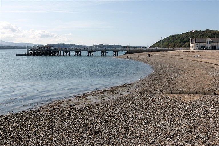 Beaumaris beach and pier